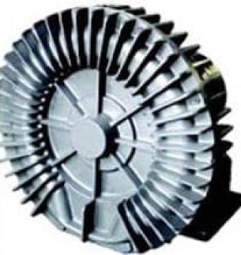As bombas de vácuo de canal lateral geram ar de sucção de baixa pulsação por meio da compressão interna de